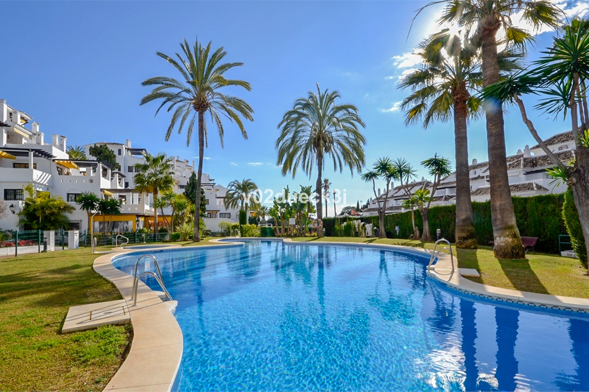 A great opportunity to buy an apartment in Aldea Blanca, one of the most popular developments in Nue,Spain