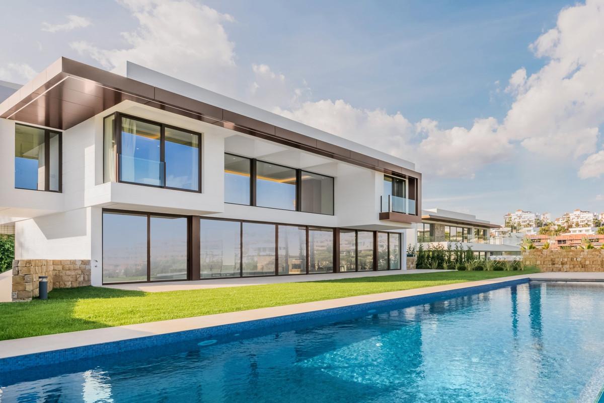 Marbella Banus Villa – Chalet en Venta en Benahavís – R3447040