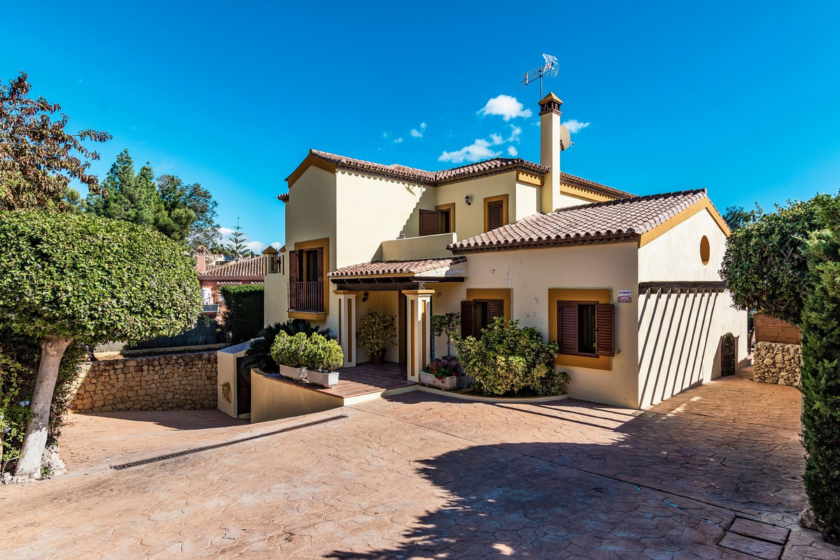 Villa – Chalet en Venta en Marbella – R3515356