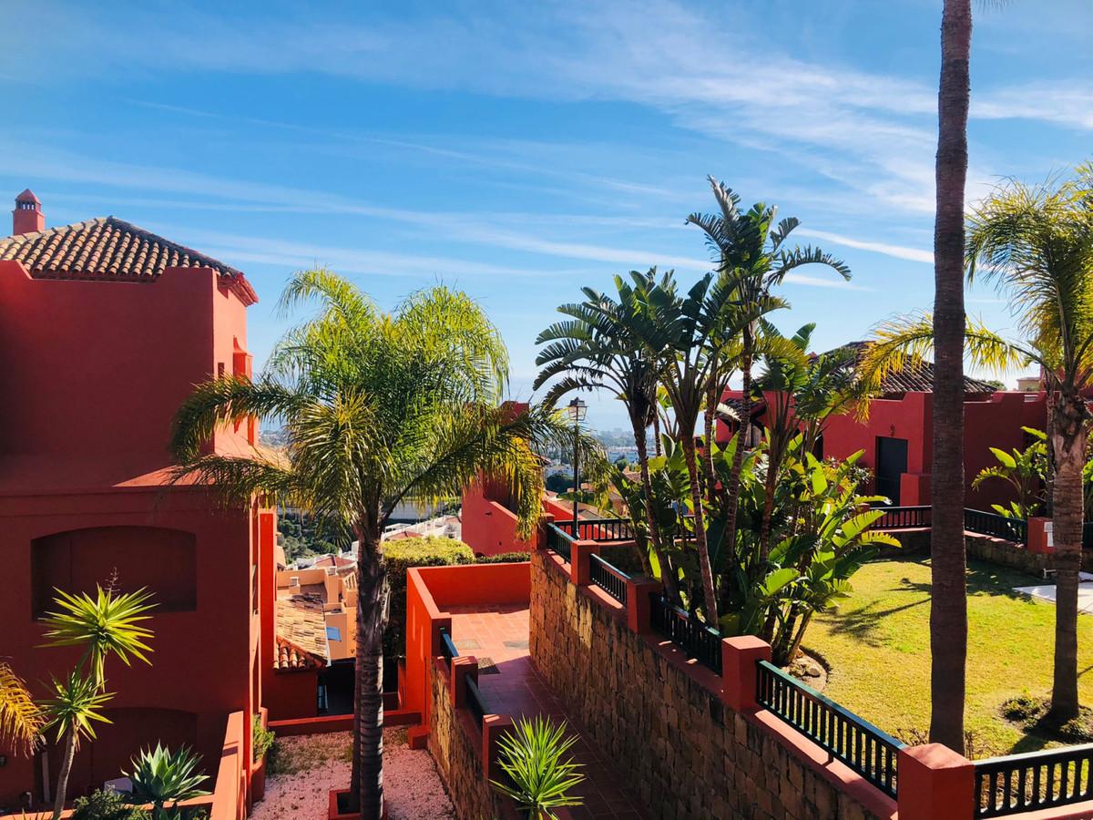Marbella Banus Apartamento en Venta en Calahonda – R3797662