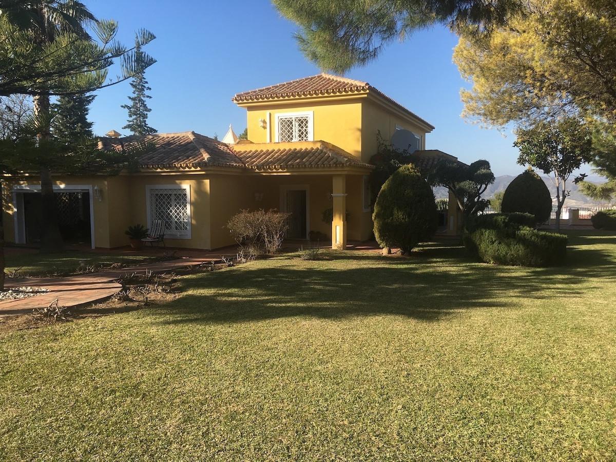 House in Alhaurín de la Torre R3083668 1