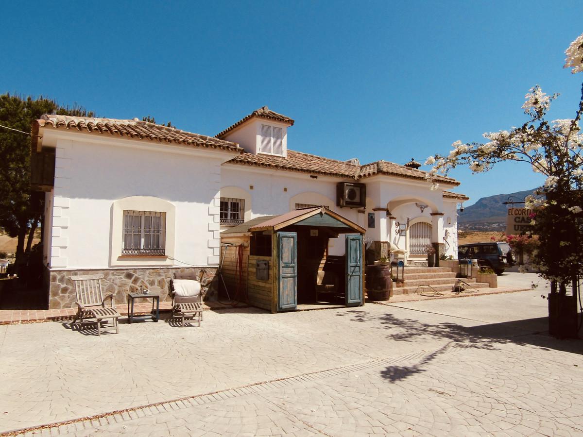 Finca - Cortijo for sale in Alhaurín el Grande