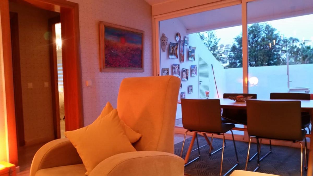 Marbella Banus Apartamento en Venta en Nueva Andalucía – R3551152