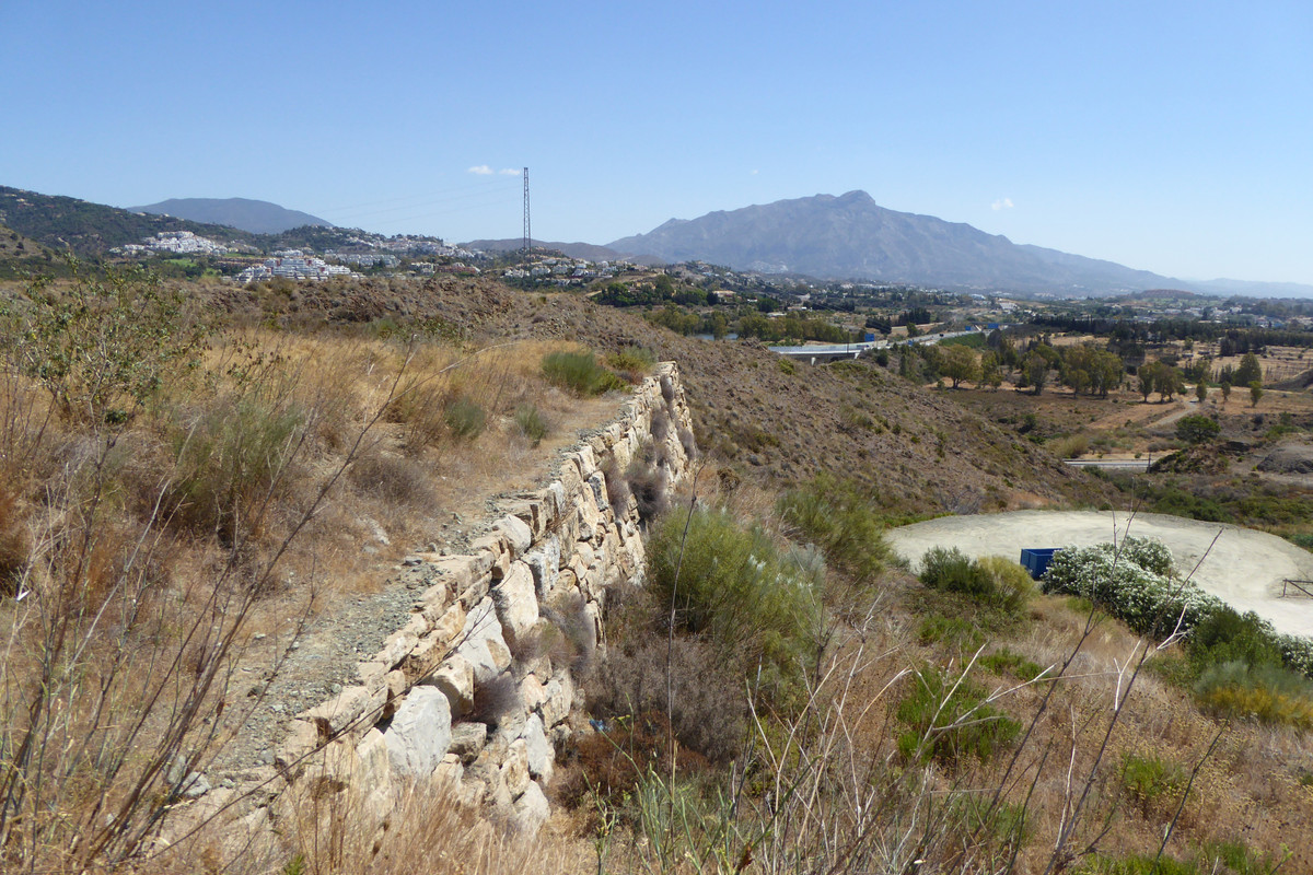 Fabulous plot with amazing sea and mountain views. Located in the popular La Alqueria area within th, Spain