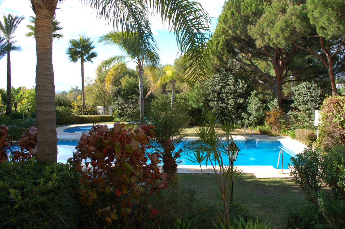 Luxury ground floor apartment situated within a sought after gated community just outside the marina,Spain
