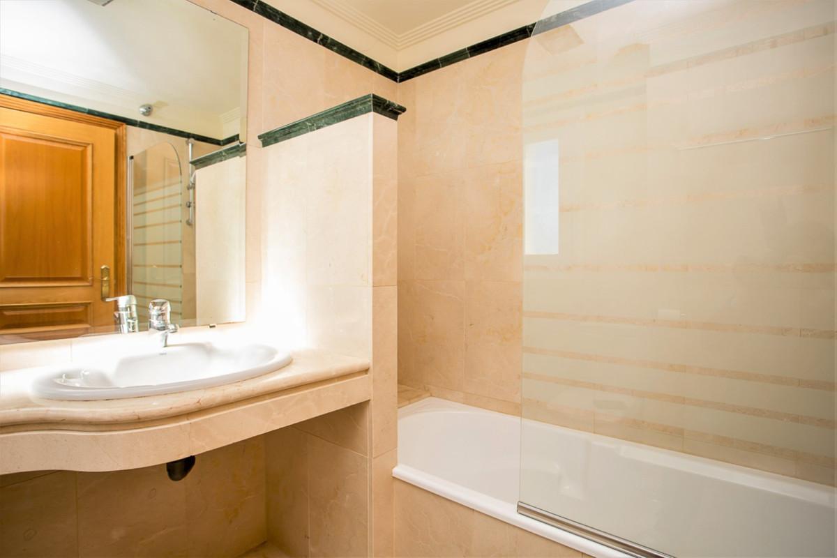 Villa Semi Detached Santa Clara Málaga Costa del Sol R3893086 8
