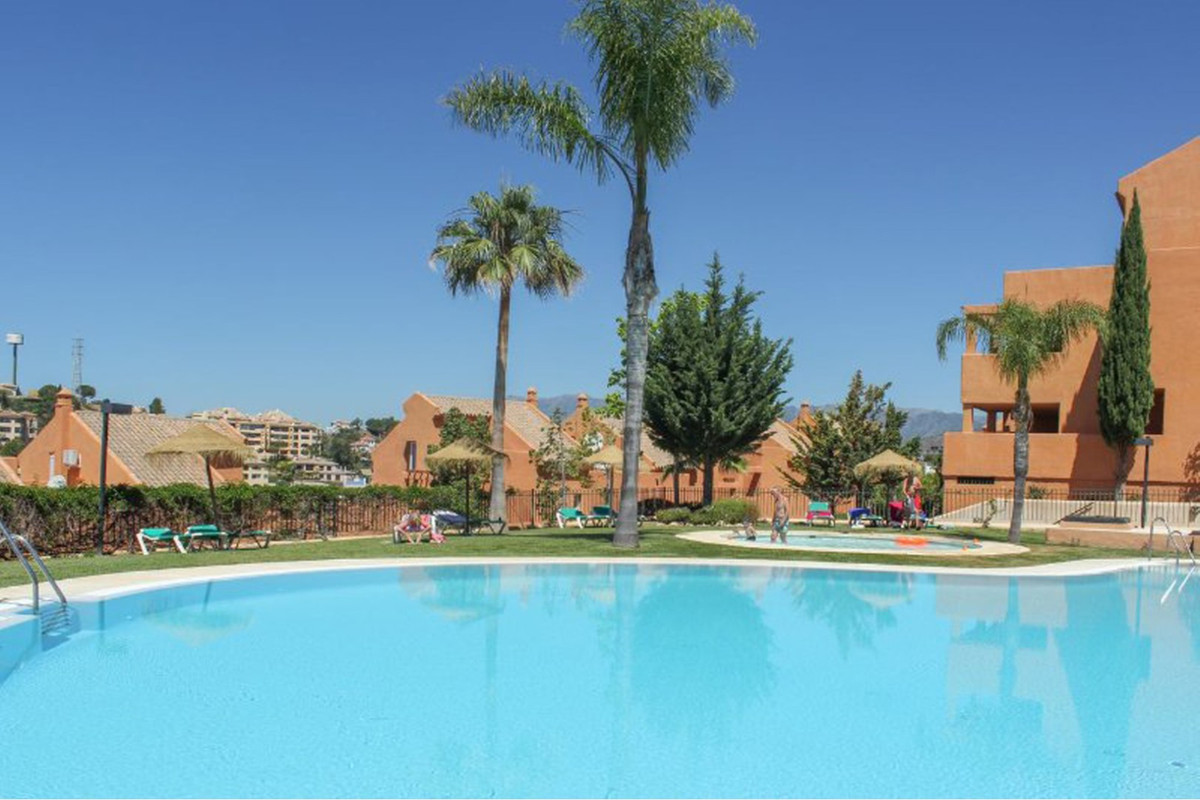 MIDDLE FLOOR APARTMENT LOCATED IN ELVIRIA. Only 15 minutes' drive away is the town centre of Ma,Spain
