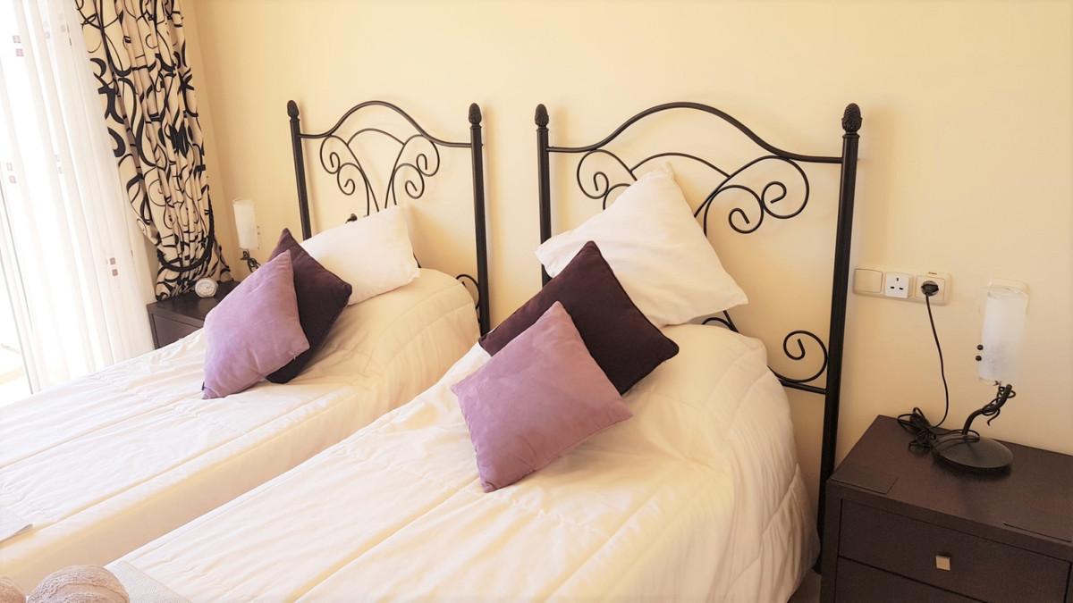 Apartamento en Venta en Elviria – R3446359