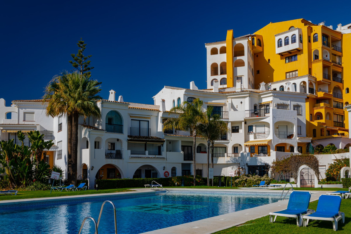 Signatura RTA: VFT/MA/07292  2 BEDROOM APARTMENT (Sleeps 6 persons) PUERTO CABOPINO IS A SPECIAL PLA,Spain