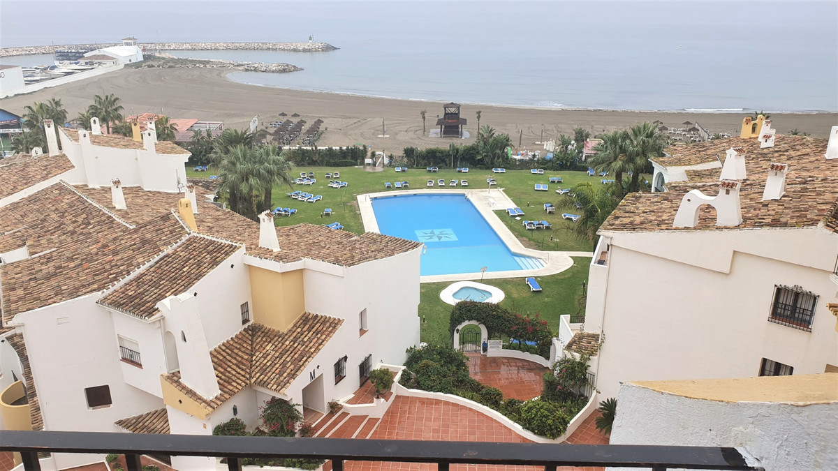 GREAT BUY TO LET OPPORTUNITY! - MUST BE SEEN. TOTALLY REFORMED STUDIO APRTMENT - BEACHFRONT DEVELOPM, Spain
