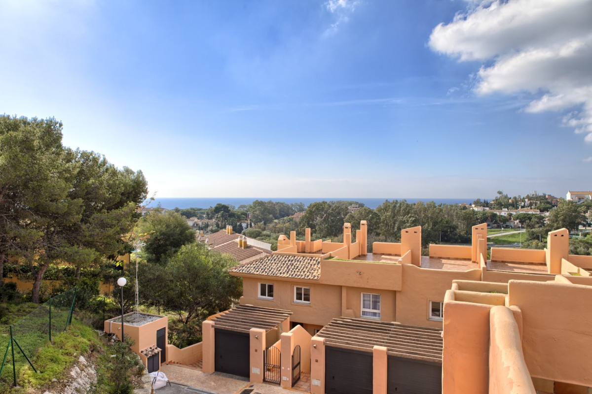 This spectacular townhouse is situated on a frontline golf development bordering Cabopinos most luxu,Spain