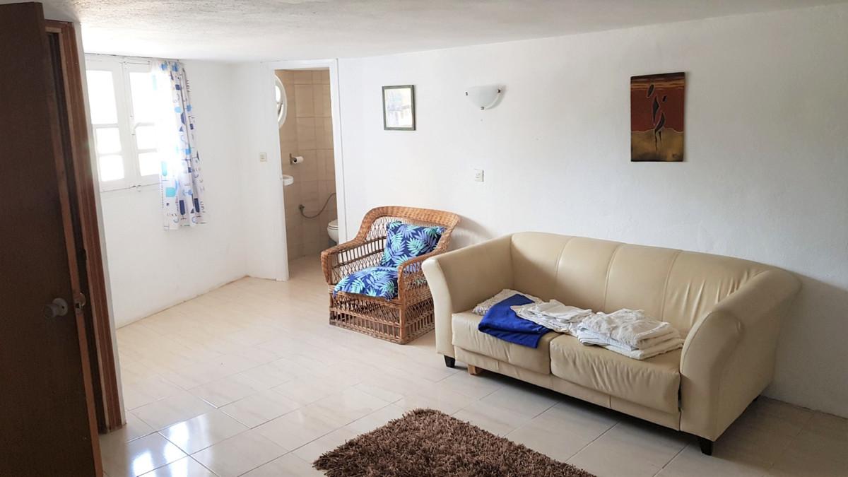Commercieel te koop in Puerto de Cabopino R2639483