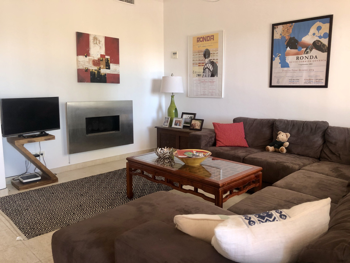 Townhouse for sale in Nueva Andalucía R3727648
