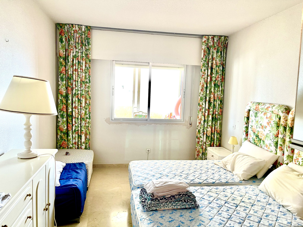 R3794200 | Top Floor Apartment in Estepona – € 169,000 – 1 beds, 1 baths