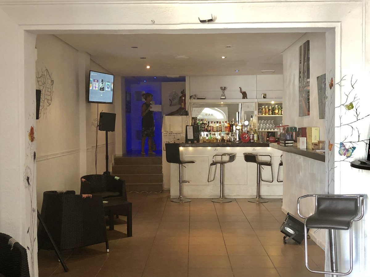 Newly listed profitable bar set in the Port area of La Duquesa.  Current owner would like a quick sa,Spain