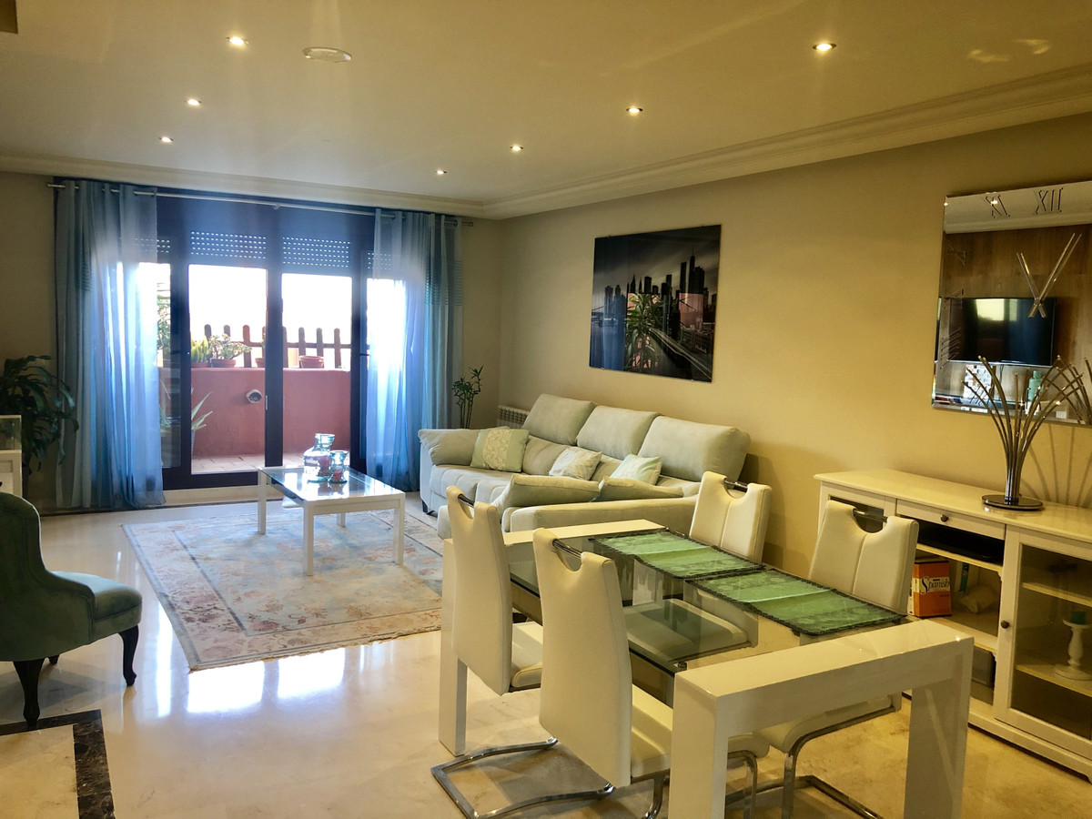 Very near to Casares Golf.  2 bed, 2 bathrooms both with baths and overhead showers, plus an additio, Spain