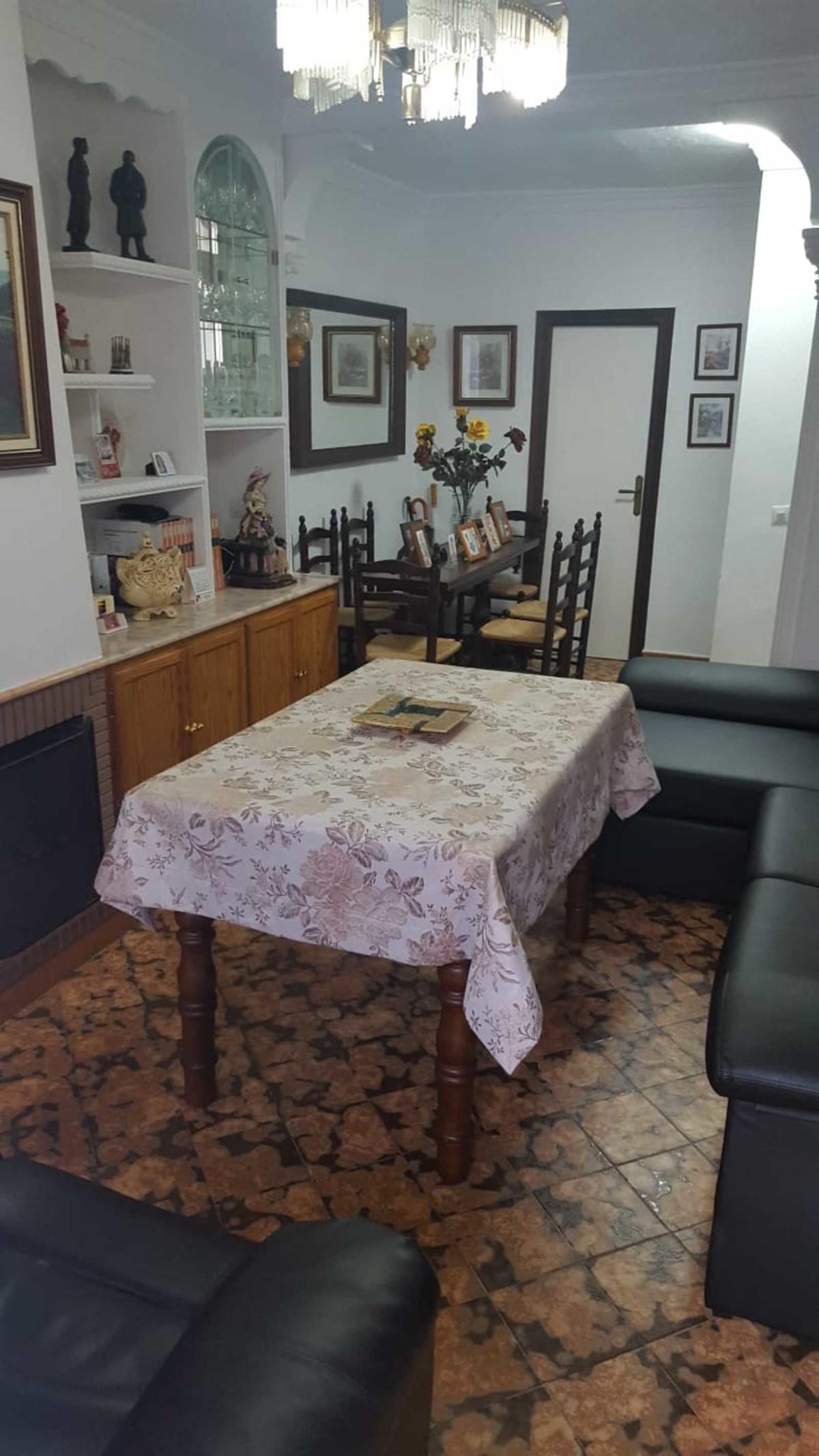 Adosado en Venta en San Pedro de Alcántara – R3583261