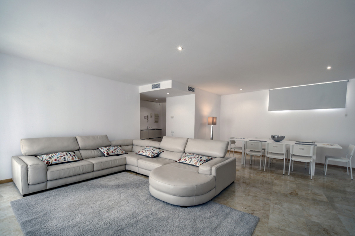 Spacious apartment in a privileged location with stunning views of the pool and common areas surrounSpain