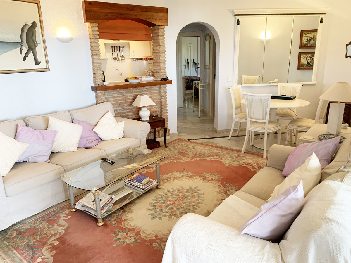 Apartamento en Venta en Calahonda – R3626996