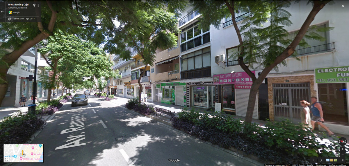 FREEHOLD LOCAL LOCATED IN ONE OF THE BUSIEST AND MOST IMPORTANT STREETS OF FUENGIROLA.  1 MINUTE FRO, Spain