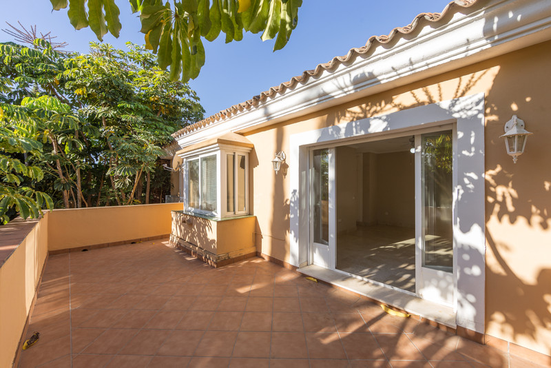 Detached Villa in Elviria