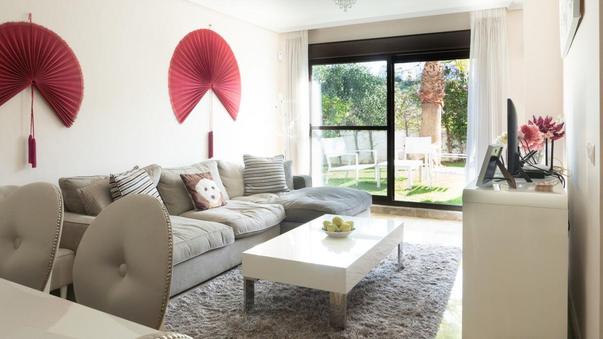 Apartamento Planta Baja en Venta en Selwo – R3597467