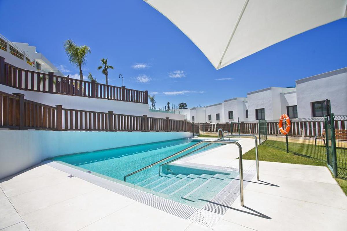 R3529699   Townhouse in Puerto Banús – € 1,195,000 – 3 beds, 3 baths