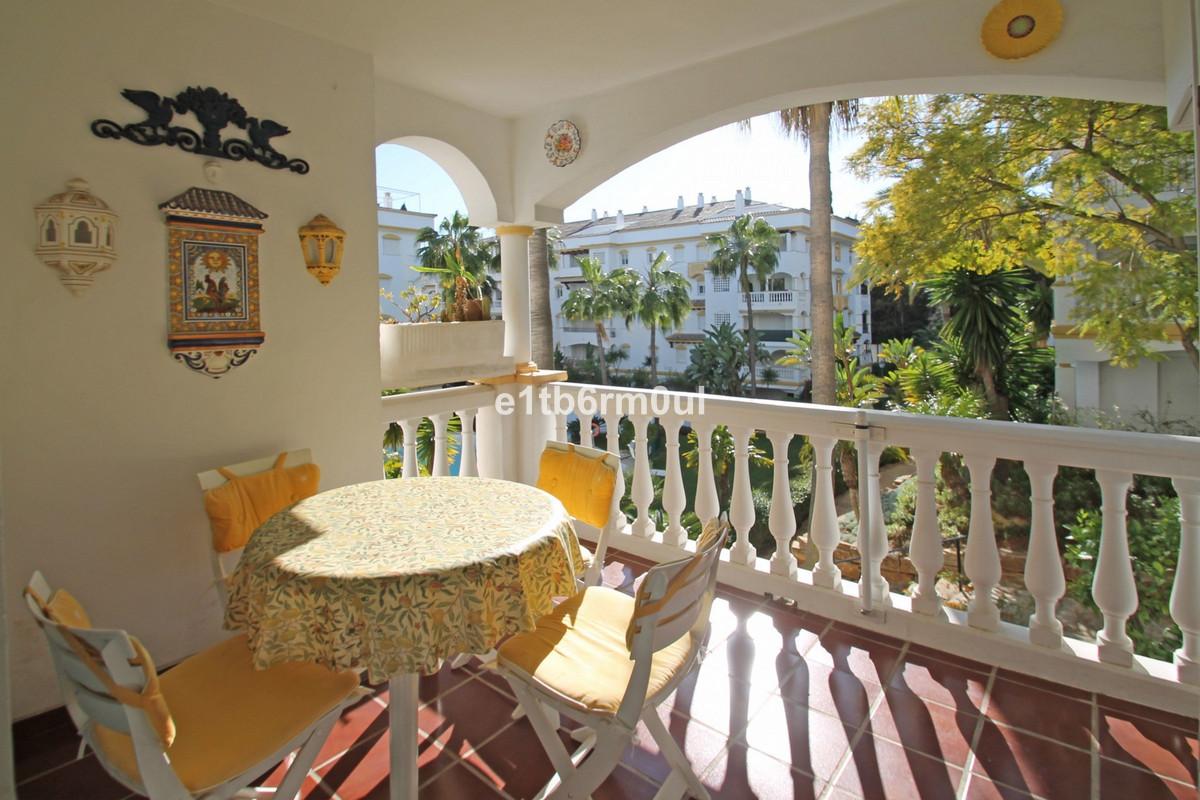 Apartamento Planta Media en Venta en The Golden Mile – R3669140