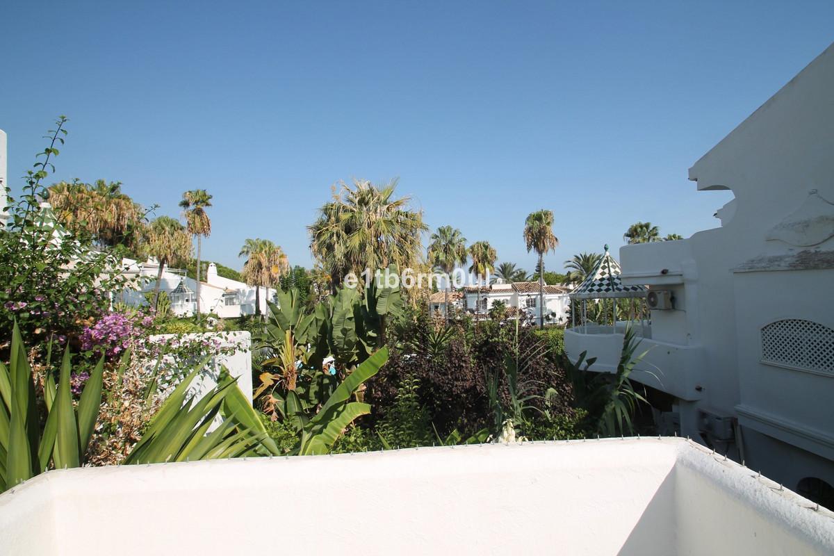 Townhouse Semi Detached The Golden Mile Málaga Costa del Sol R3712397 4