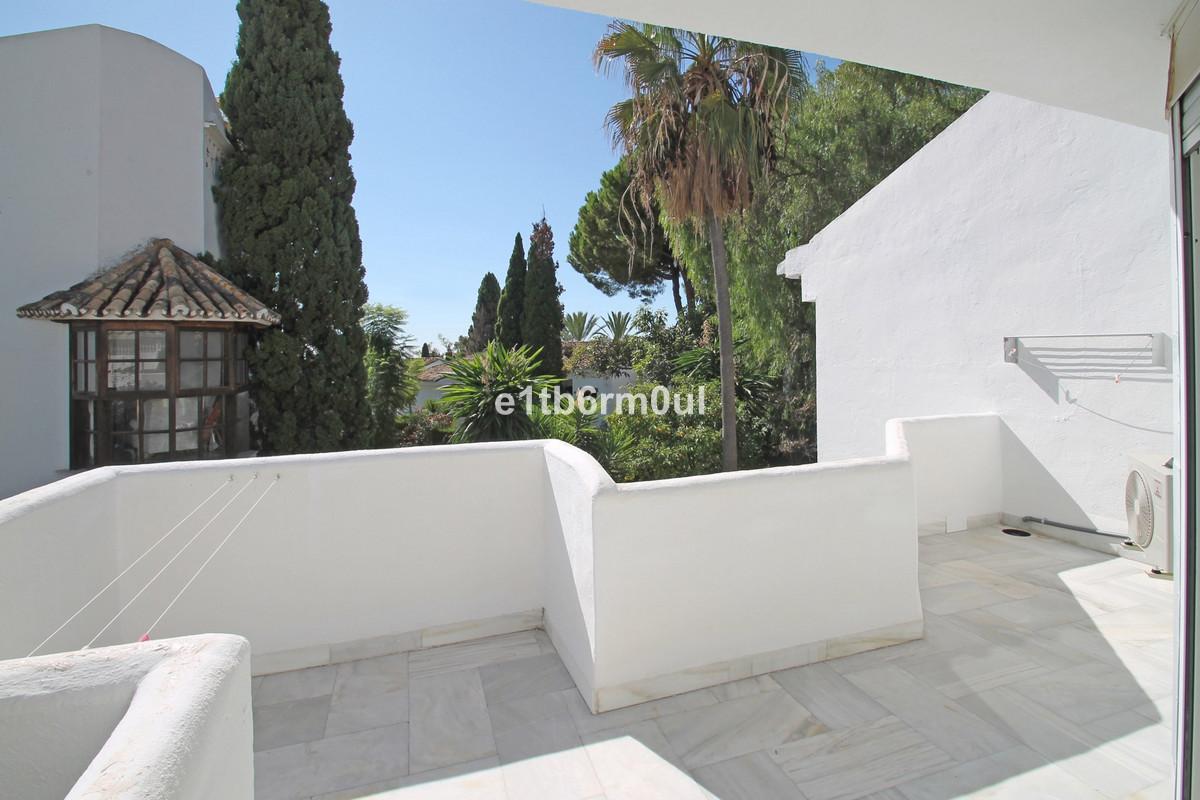 Townhouse Semi Detached The Golden Mile Málaga Costa del Sol R3712397 5