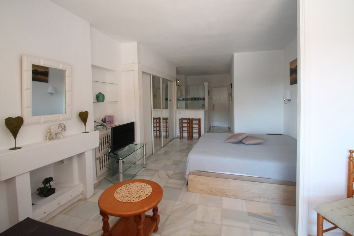 Studio Middle Floor The Golden Mile Málaga Costa del Sol R3705794 10