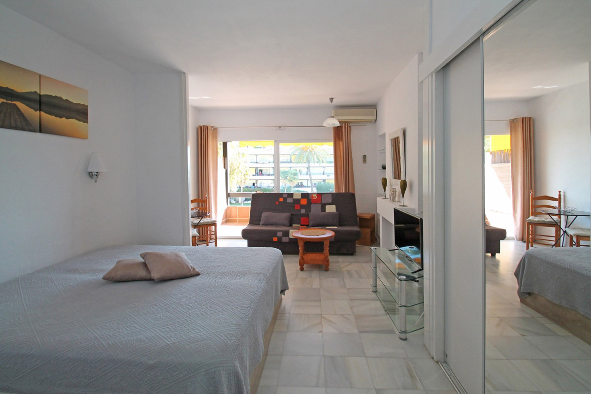 Studio Middle Floor The Golden Mile Málaga Costa del Sol R3705794 9