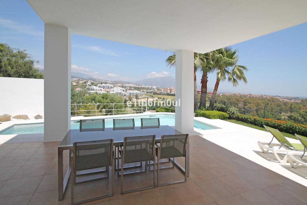 Marbella Banus Villa – Chalet en Venta en Benahavís – R3186343