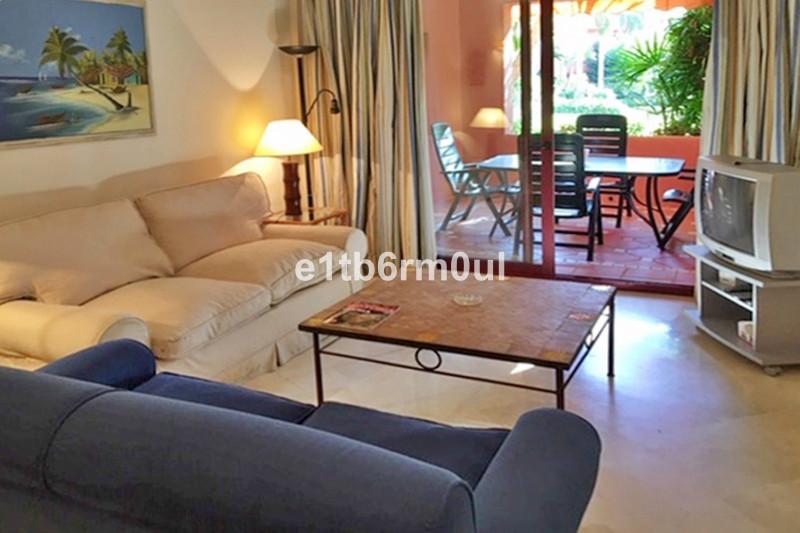 Marbella Banus Apartamento Planta Baja en venta en Marbella – R3365839