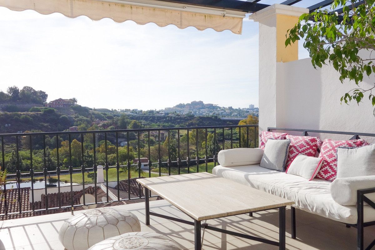 SEA & GOLF VIEWS · FULLY REFURBISHED · Beautifully presented penthouse apartment within a gated , Spain