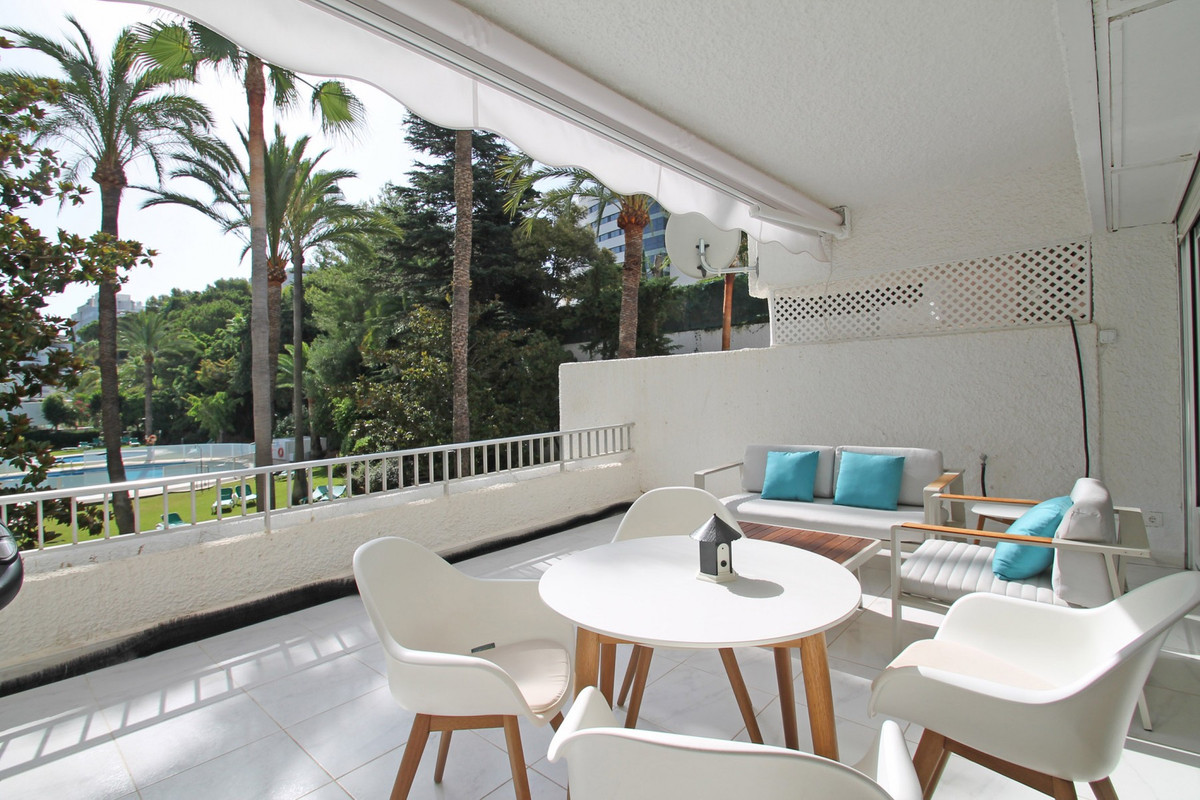 Apartment Middle Floor The Golden Mile Málaga Costa del Sol R3675638