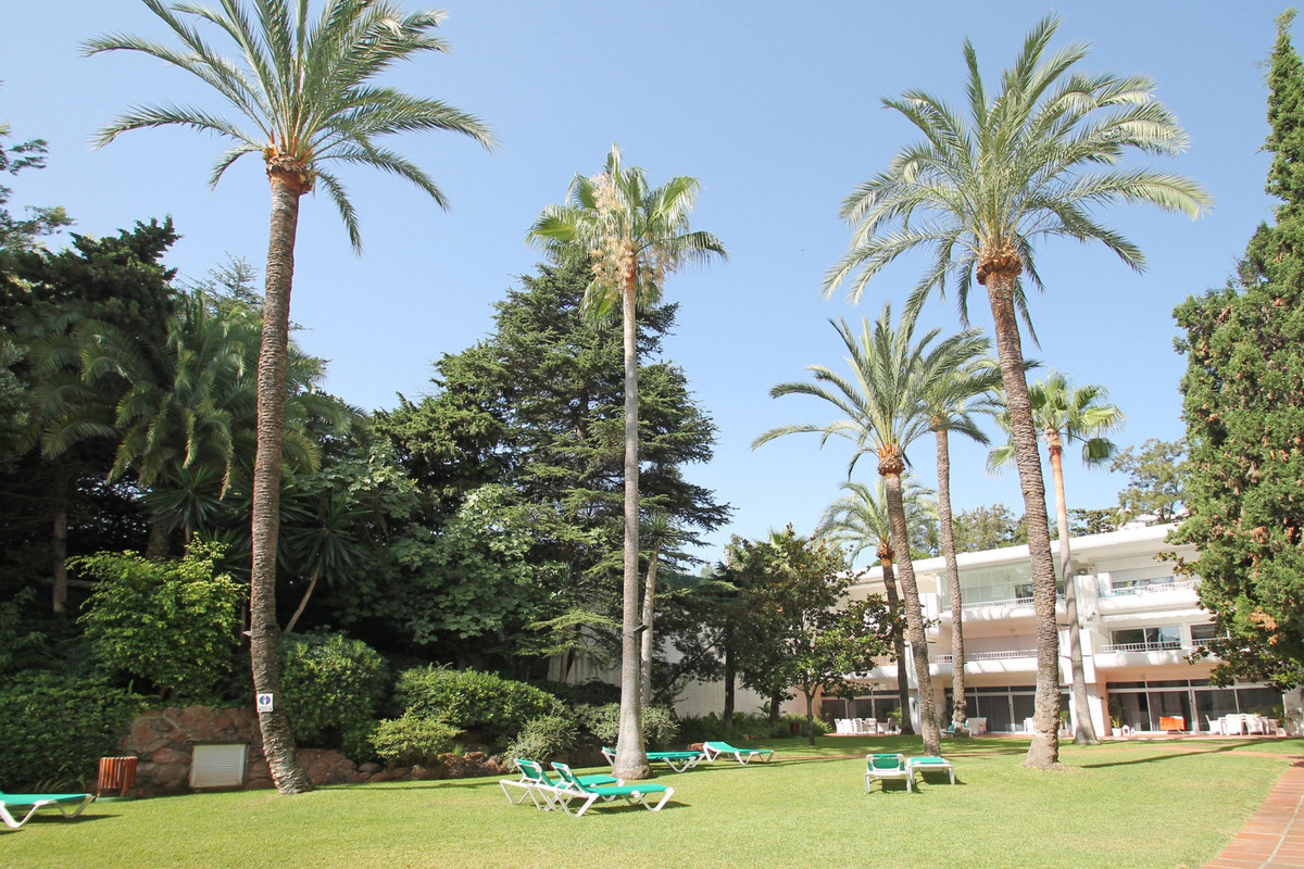 Apartment Middle Floor The Golden Mile Málaga Costa del Sol R3675638 10