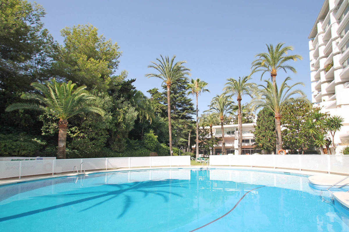 Apartment Middle Floor The Golden Mile Málaga Costa del Sol R3675638 2