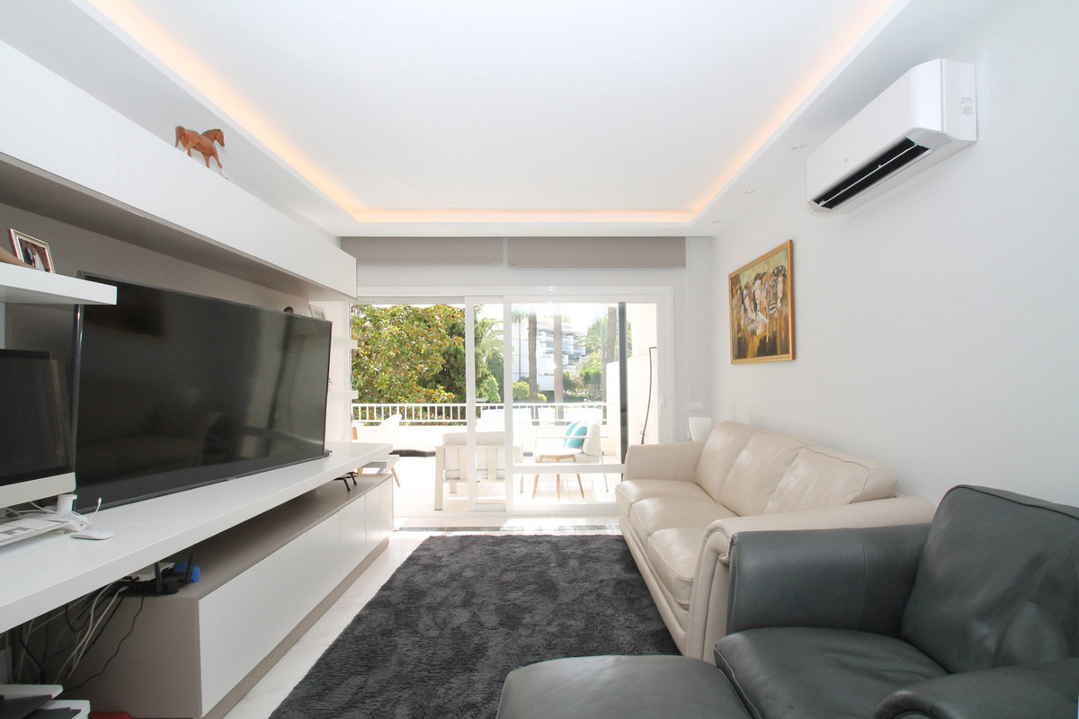 Apartment Middle Floor The Golden Mile Málaga Costa del Sol R3675638 4