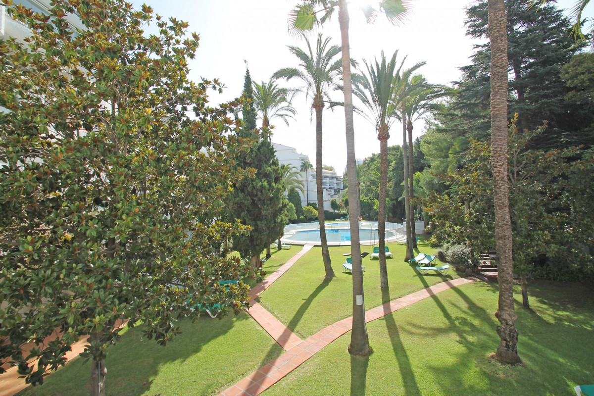 Apartment Middle Floor The Golden Mile Málaga Costa del Sol R3675638 9