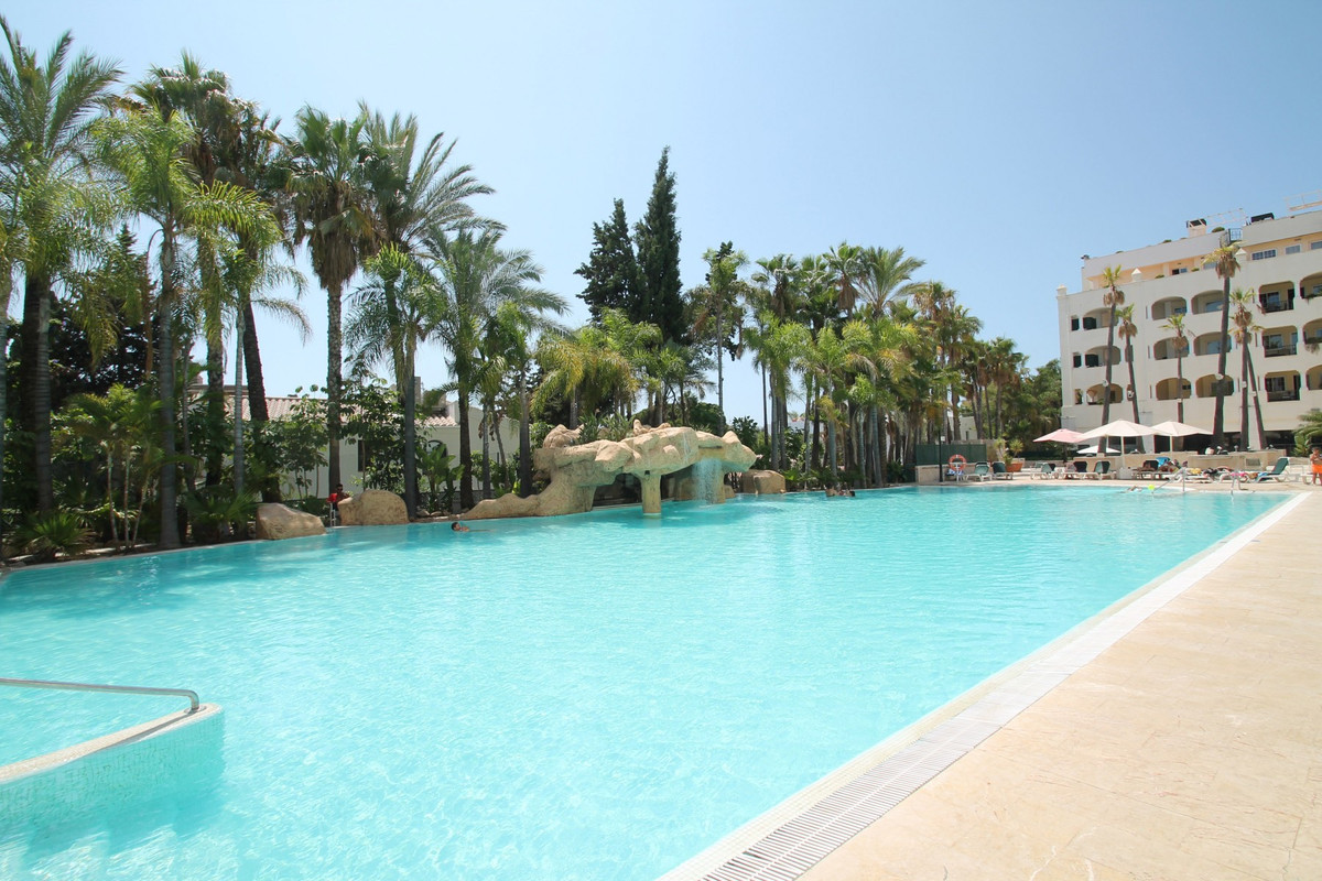 BEACHSIDE · MARBELLA GOLDEN MILE · SOUTH FACING · Two bedroom second floor apartment located in an e, Spain