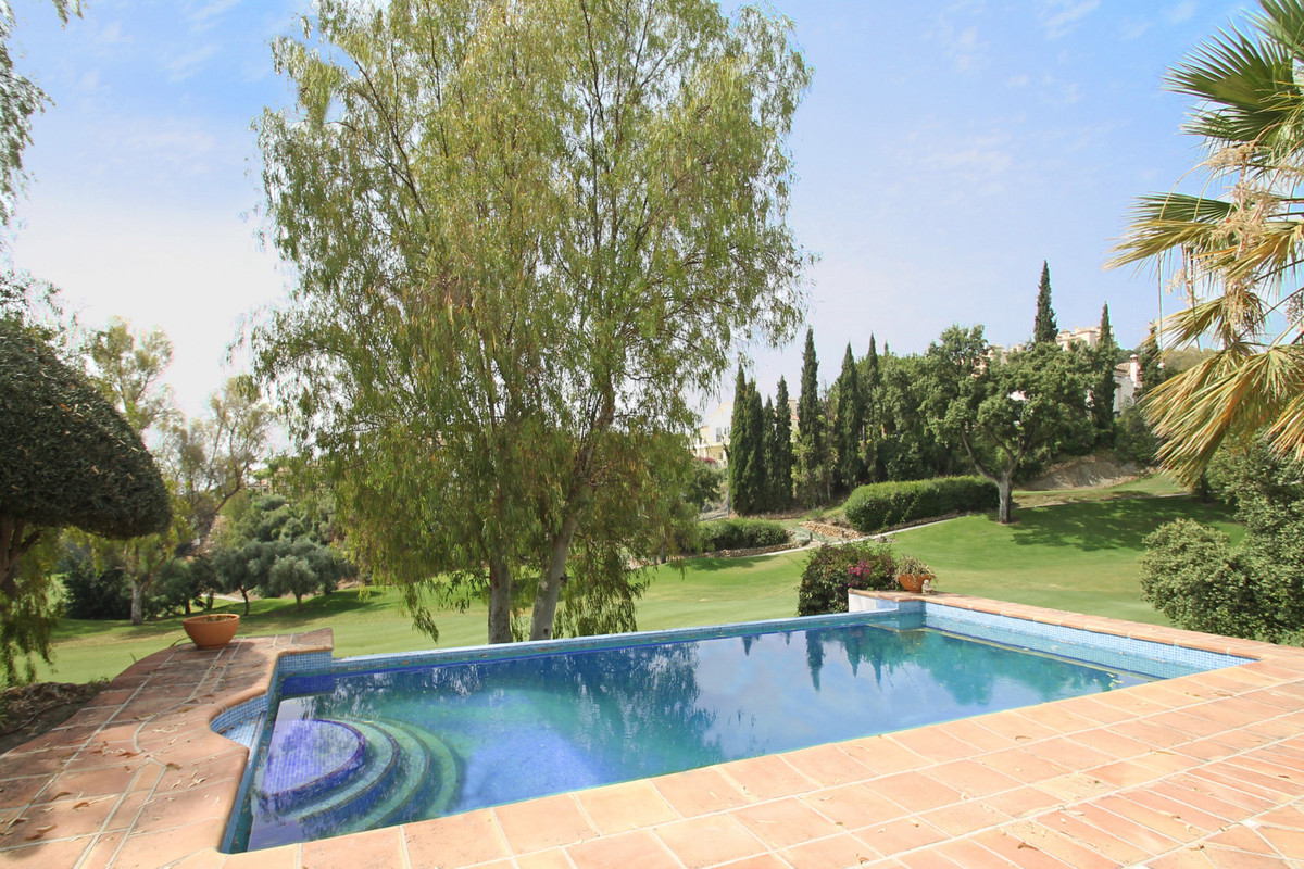 FRONTLINE GOLF • MARBELLA WEST • South-West facing frontline golf four bedroom villa located at La Q Spain