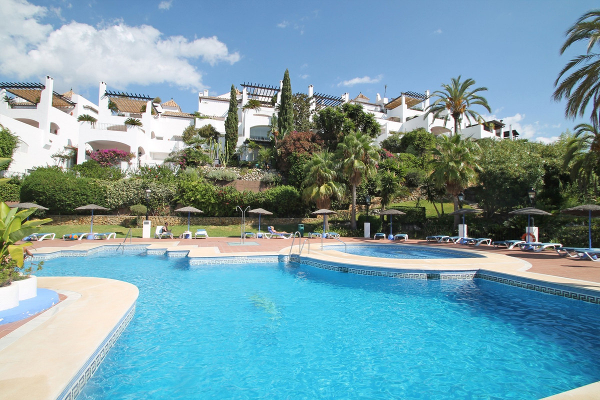 South-West facing three bedroom corner duplex penthouse on the beginning of Istan Road. Situated verSpain