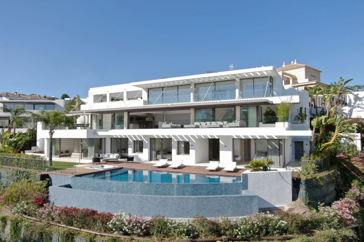 BRAND NEW · The ultimate in contemporary design. Five bedroom modern villa with the best panoramic s,Spain