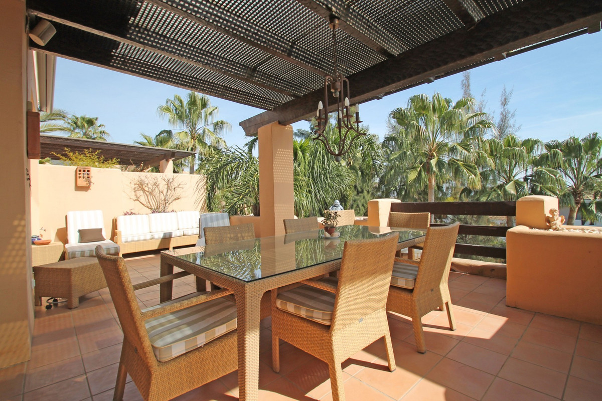 Apartment in The Golden Mile R3370183 14