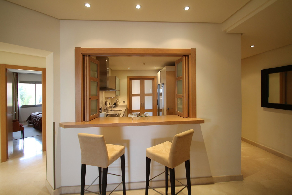 Apartment in The Golden Mile R3370183 17