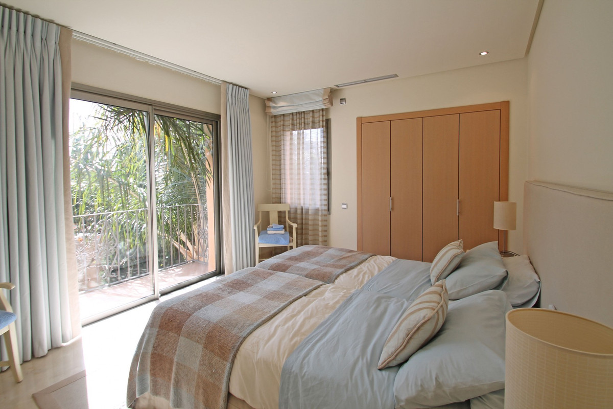 3 Bedroom Apartment For Sale, The Golden Mile