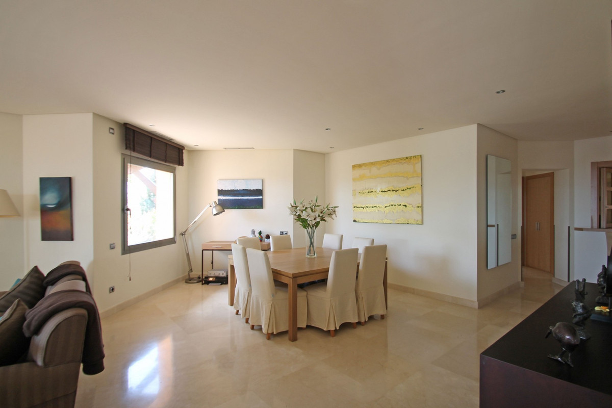 Apartment in The Golden Mile R3370183 27