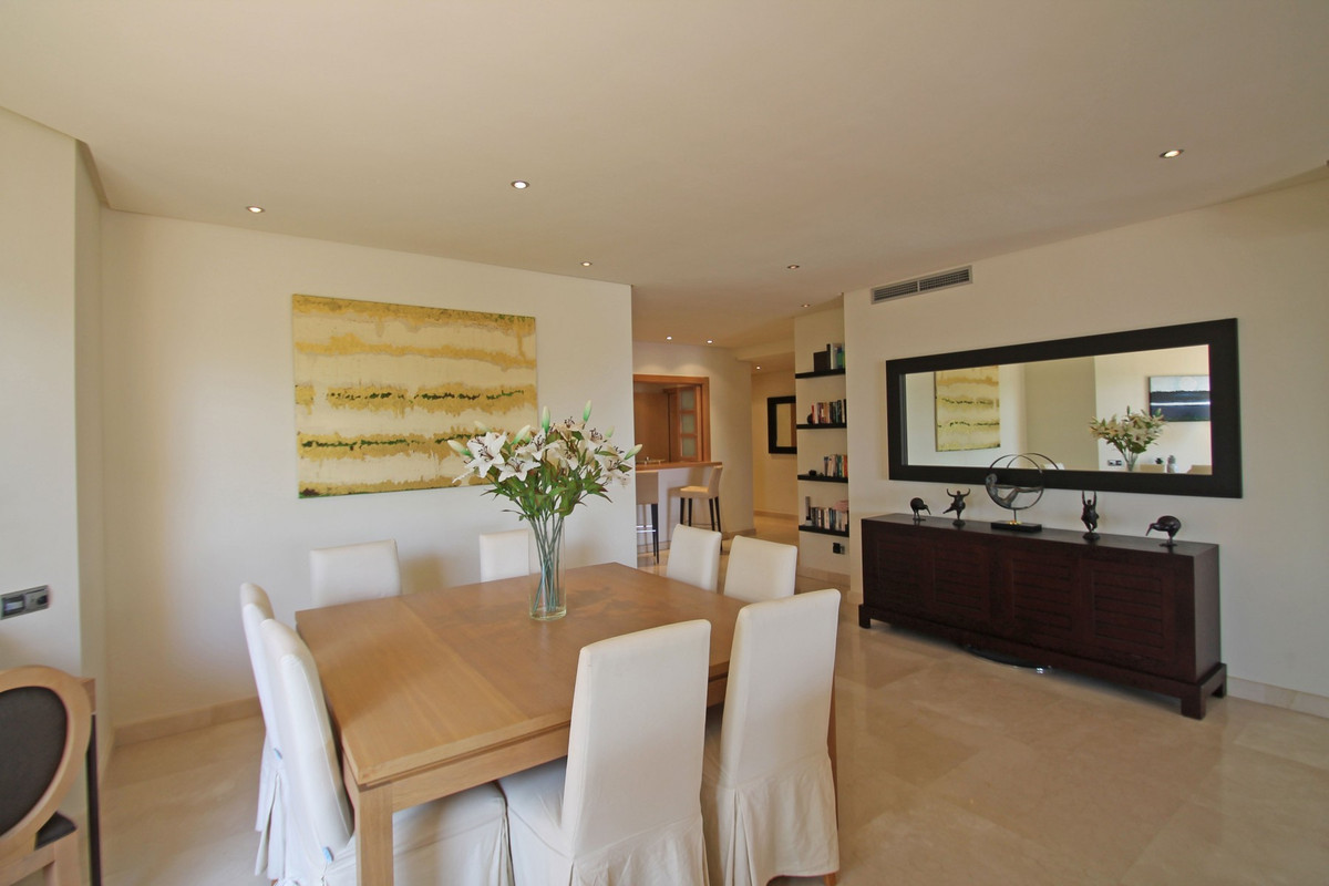 Apartment in The Golden Mile R3370183 6
