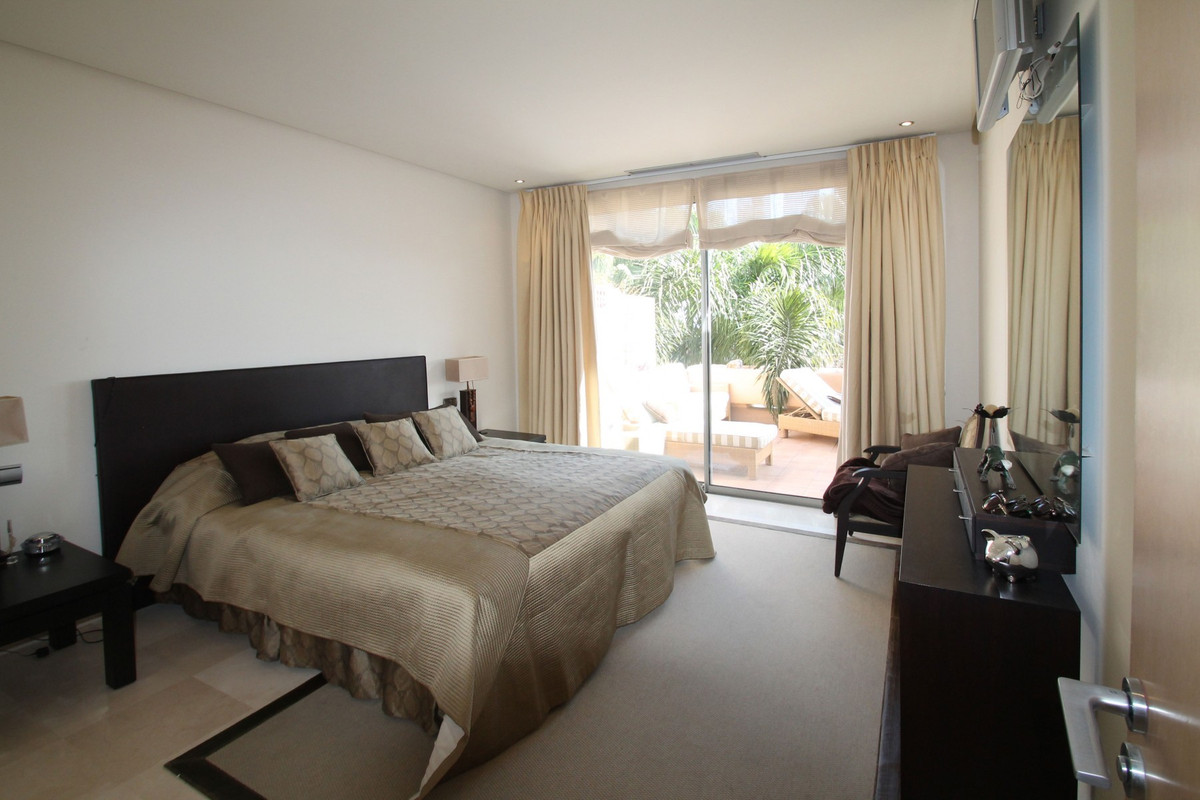Apartment in The Golden Mile R3370183 7